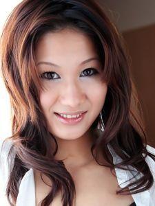 Asami Yoshikawa