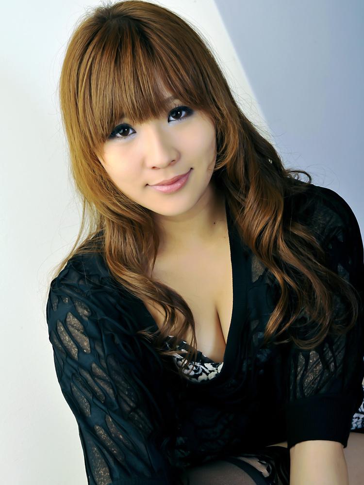 beautiful japanese girl rinka - Rinka Aiuchi
