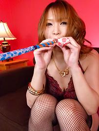 Yuki Touma - ผิวมัน ยูกิ โทมะให้หัวนมเย็ดกับญี่ปุ่น blowjob -  10 รูปภาพ