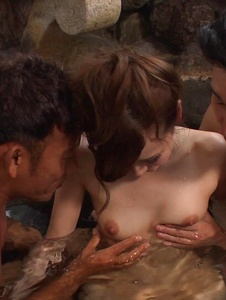 Yui Uehara - Japan blowjob in group action for Yui Uehara - Screenshot 10