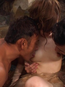 Yui Uehara - Japan blowjob in group action for Yui Uehara - Screenshot 11
