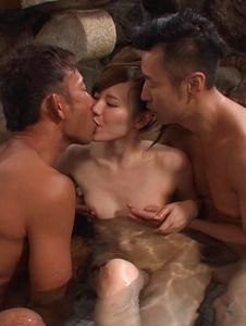 Yui Uehara - Japan blowjob in group action for Yui Uehara - Screenshot 8