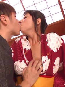 Ryoko Murakami - Asian giving blowjob in pure hardcore show - Screenshot 4