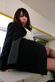 Chinatsu Kurusu - Kinky Chinatsu Kurusu busty sucks two shlongs - Picture 7
