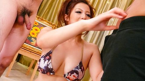 Meisa Hanai - Meisa Hanai dengan aset besar menggosok penis - gambar 11