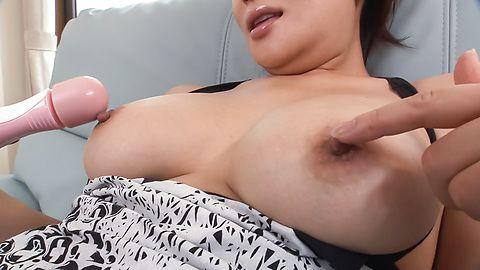 Rei Kitajima - Sweet milf amazes with sloppy Asian blowjob on cam - Picture 5