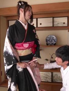 Reiko Kobayakawa - เอเชีย Babe ร้อน blowjob วิดีโอตามชุดกิโมโน -  7 รูปภาพหน้าจอ