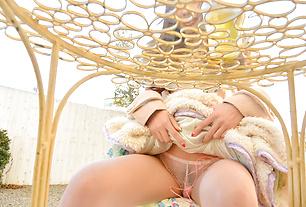 Asian amateur girl outdoor teasing scenes