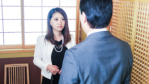 Miki Aimoto - Spicy office milf, Miki Aimoto, Asian amateur porn on cam - Picture 3