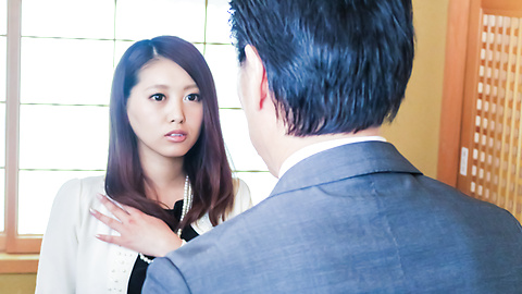 Miki Aimoto - Spicy office milf, Miki Aimoto, Asian amateur porn on cam - Picture 4
