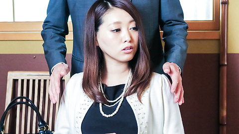 Miki Aimoto - Spicy office milf, Miki Aimoto, Asian amateur porn on cam - Picture 6