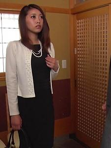 Miki Aimoto - Spicy office milf, Miki Aimoto, Asian amateur porn on cam - Screenshot 6