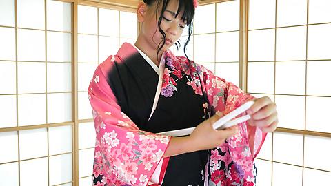 Makoto Shiraishi - Babe in kimono gives insane Japan blow job  - Picture 11