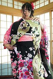 Makoto Shiraishi - Babe in kimono gives insane Japan blow job  - Picture 9