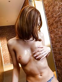 Miku Kohinata - Miku Kohinata把她的亞洲振動器使用好 - 圖片10