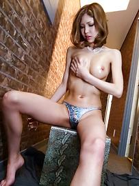 Miku Kohinata - Miku Kohinata把她的亞洲振動器使用好 - 圖片12