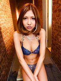Miku Kohinata - Miku Kohinata把她的亞洲振動器使用好 - 圖片2