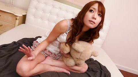 绫香 Fujikita ' s 年轻的亚洲阴户 cums 从振动