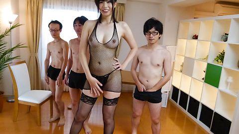青山沙希 - グループ4P乱交!高身長青山沙希 - Picture 9