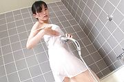 Shower sex with Japanese MiLF Manami Komukai Photo 5