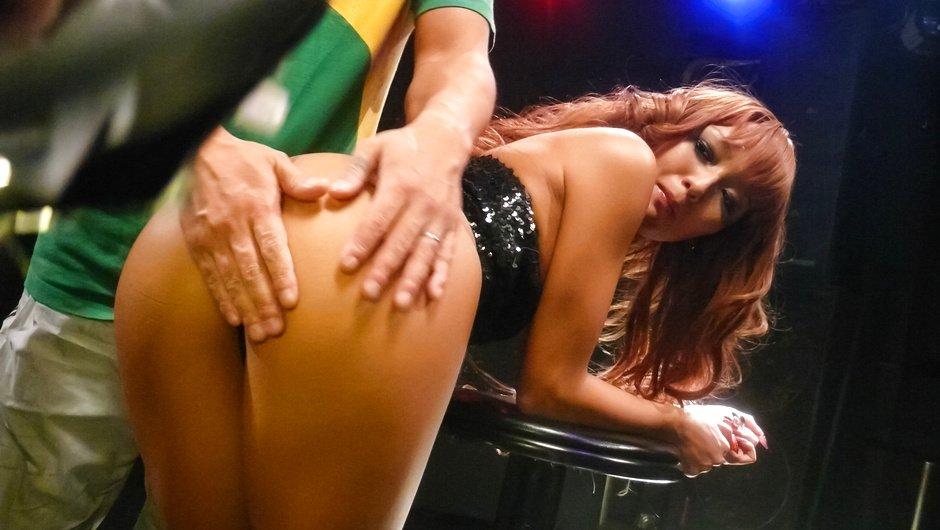 Barbara Flores笑顔が可愛い巨乳の美少女がローションまみれになって3Pセックス痴女にたっぷり顔射Jay Kohlスズカシ