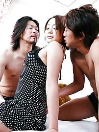 Yuu Shiraishi - 悠白石标记联手,由两个角质螺柱饼 - 图片 3