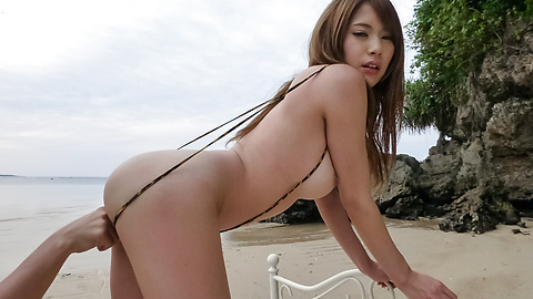 Nami Itoshino - Japane blowjob in outdoor along Nami Itoshino  - Picture 4