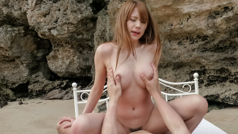 Big tits beauty goes naughty in pure outdoor porn show
