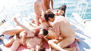 LaForet Girl 10 : Hikari, Sofia Takigawa, Kaede Niiyama, Ruka Ichinose (Blu-ray) - Video Scene 2