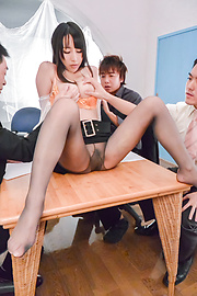 Rina Mayuzumi - Hard day at the office along busty Rina Mayuzumi  - Picture 3