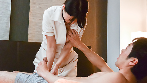 Nana Nakamura - Japan blow job to start Nana Nakamura's porn play  - Picture 4