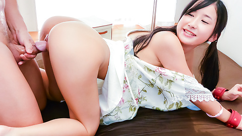 Japanese blow job scenes with obedient Suzu Ichinose
