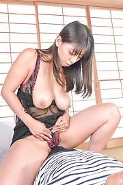Ryoko Murakami - Curvy Ryoko Murakami asian giving blowjob and a boob fuck - Picture 2