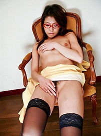 Mizuki Ogawa - Mizuki Ogawa took care of her boyfriends stiff cock - Picture 1