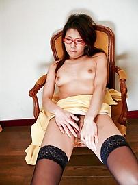 Mizuki Ogawa - Mizuki โอกาว่า ดูแลแฟนของเธอไก่แข็ง -  2 รูปภาพ