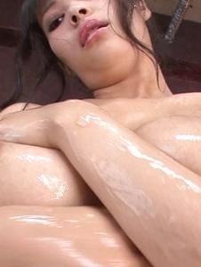 Kyouko Maki - Stacked MILF Kyouko Maki has fun with asian dildos - Screenshot 11