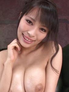 Kyouko Maki - Stacked MILF Kyouko Maki has fun with asian dildos - Screenshot 1