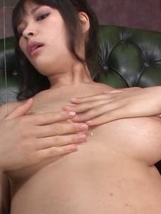 Kyouko Maki - Stacked MILF Kyouko Maki has fun with asian dildos - Screenshot 4