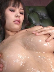 Kyouko Maki - Stacked MILF Kyouko Maki has fun with asian dildos - Screenshot 7