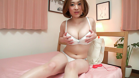 Doremi Miyamoto - Doremi Miyamoto plays with her young Japanese pussy - Picture 8