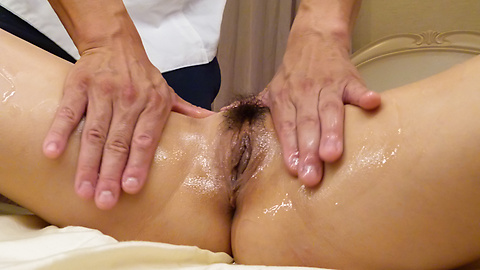 Risa Mizuki - Massage leads hot woman to suck cock like a goddess - Picture 7
