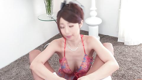 Ayumi Shinoda - Ayumi Shinoda gives amazing Japanese handjob  - Picture 3