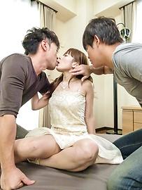 Anri Sonozaki - Sexy Anri Sonozaki enjoying two horny males - Picture 1