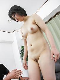 Ai Nashi - Ai นาชิได้รับโขลกจากด้านหลังในกลุ่มเพศญี่ปุ่น -  5 รูปภาพ