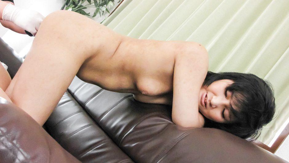 Saki Umita having deep penetration down her shaved asian pussy