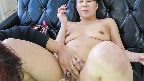 Saya Fujimoto gets her pussy shaved in Asian amateur show
