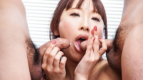 Yui Misaki - 三人亚洲口交与 Yui 岬 - 图片 11