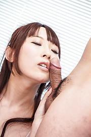 Yui Misaki - 三人亚洲口交与 Yui 岬 - 图片 3