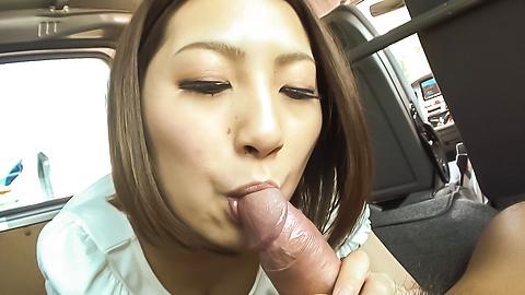 GorgeousRan Minami blows cock in the car