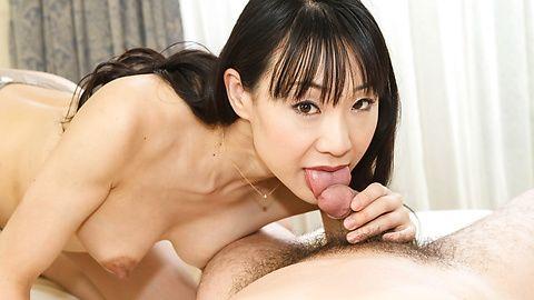 Miho Wakabayashi - Miho วาคาบายาชิถูกระยำในอวัยวะเพศหญิงมีขน -  4 รูปภาพ